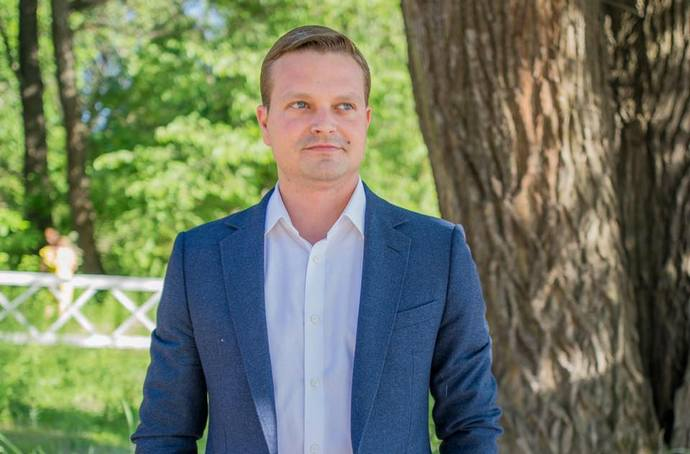 Кабмін звільнив Ющенка Олега з посади заступника Міністра інфраструктури України