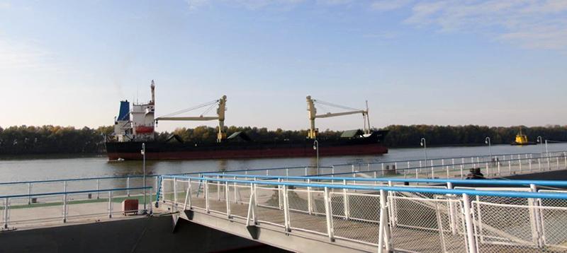 В Ізмаїльському морському порту збільшились обсяги перевантаження олії та шроту соняшника