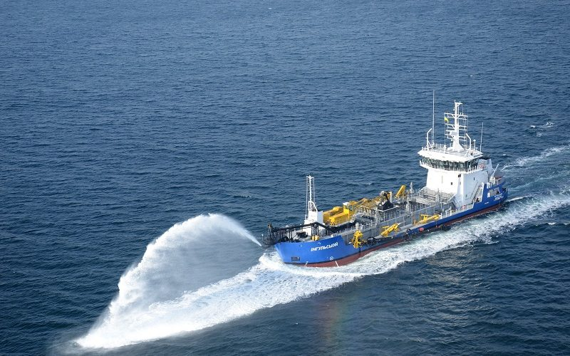 ДП «АМПУ» встановлено новий рекорд з днопоглиблення власним флотом
