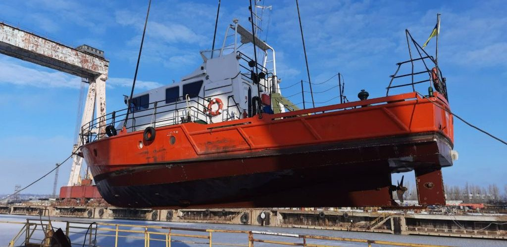 На «Океані» почався ремонт великого гідрографічного катеру «А. Лисенко»