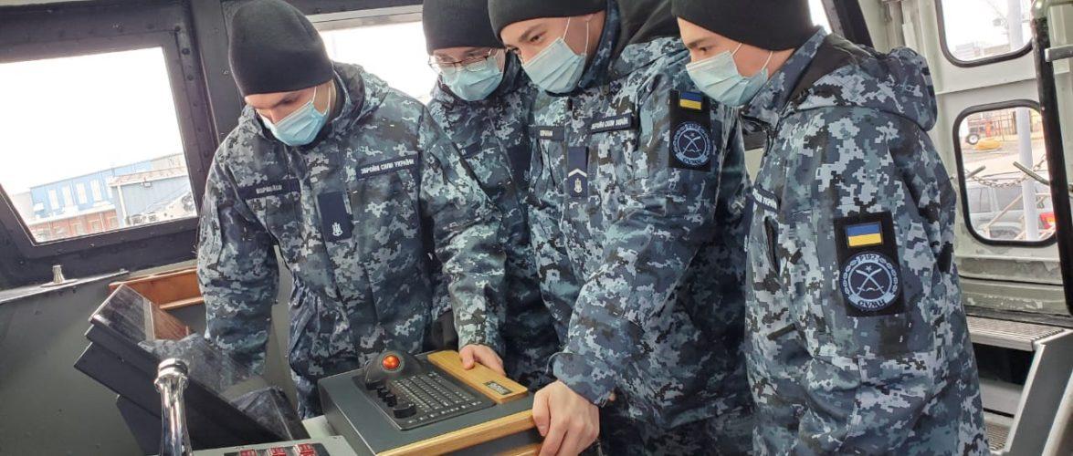 У США триває посилений курс підготовки двох екіпажів патрульних катерів типу «Айленд»