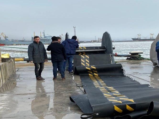 Маріупольською філією АМПУ закуплено бонові загородженн для локалізації аварійних забруднень у відкритому морі