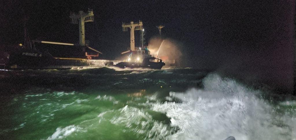 (ФОТО) Пожежа на судні «PRINCE 4» у Чорному морі
