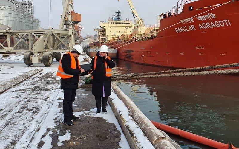 На навчаннях в морському порту Чорноморськ ліквідували умовне забруднення акваторії маслами