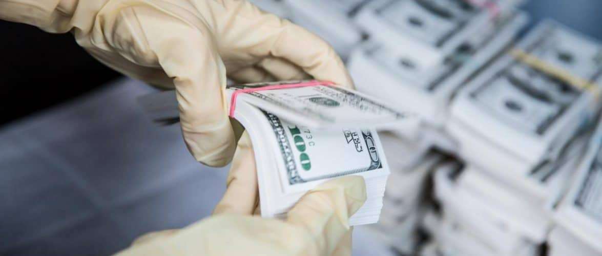 НАБУ спільно з ДФС та ДПС унеможливили незаконне відшкодування 674 млн грн ПДВ