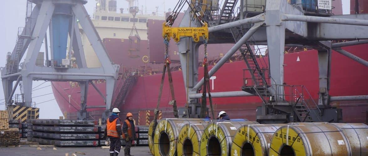 У лютому Маріупольський порт обробив 42 судна і перевалив 574,9 тис. тонн вантажів