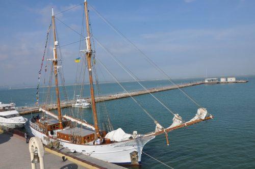 Вітрильник Joseph Conrad неочікувано відкрив яхтовий сезон в Одессі