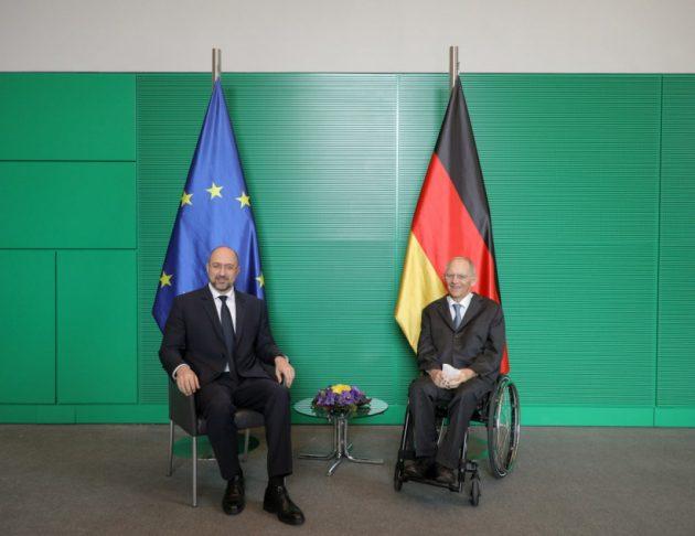 Денис Шмигаль обговорив із Президентом Бундестагу ФРН зміцнення підтримки України (оновлено)
