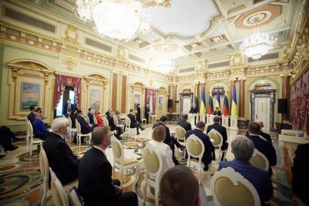 Україна та Литва домовились об'єднати дії для збільшення взаємного товарообігу – Президент