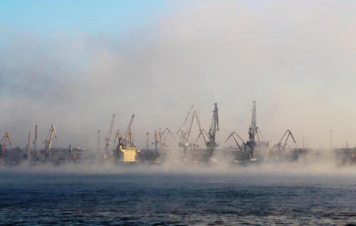 У січні-лютому 2021 року портові оператори морського порту Південний обробили 7 млн 711 тис. тонн вантажів