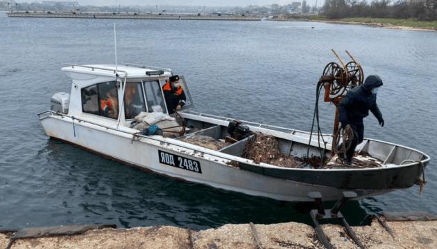 У Очаків повернулися рибалки, затримані ФСБ Росії в Чорному морі два дні тому