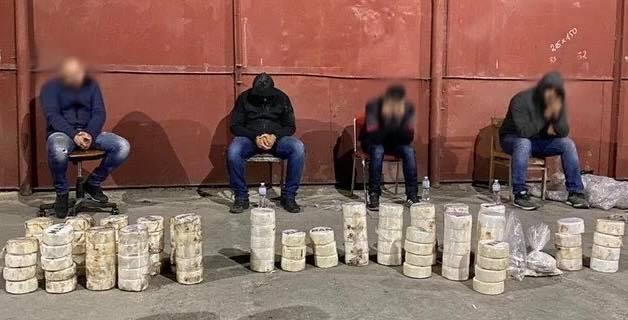 СБУ завершило розслідування у справі контарандистів, що намагались ввезти 80 кг кокаїну до України