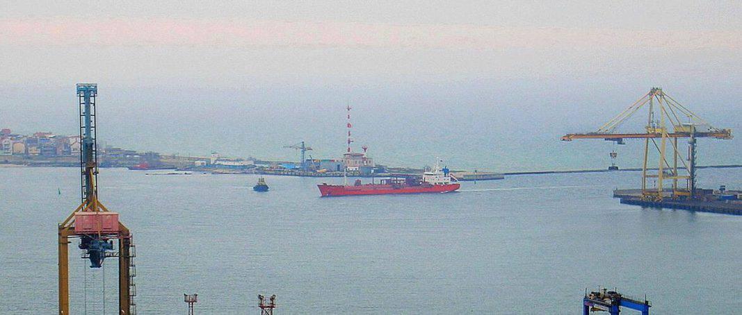 В морському порту Чорноморськ поновили перевантаження зрідженого газу