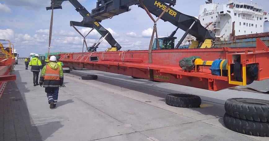 З Карантинного молу Одеського морського порту відправлено черговий великогабаритний вантаж (фоторепортаж)