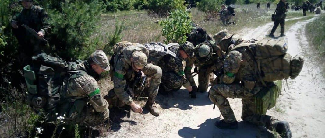 В областях на межі з Кримом проводять збори тероборони