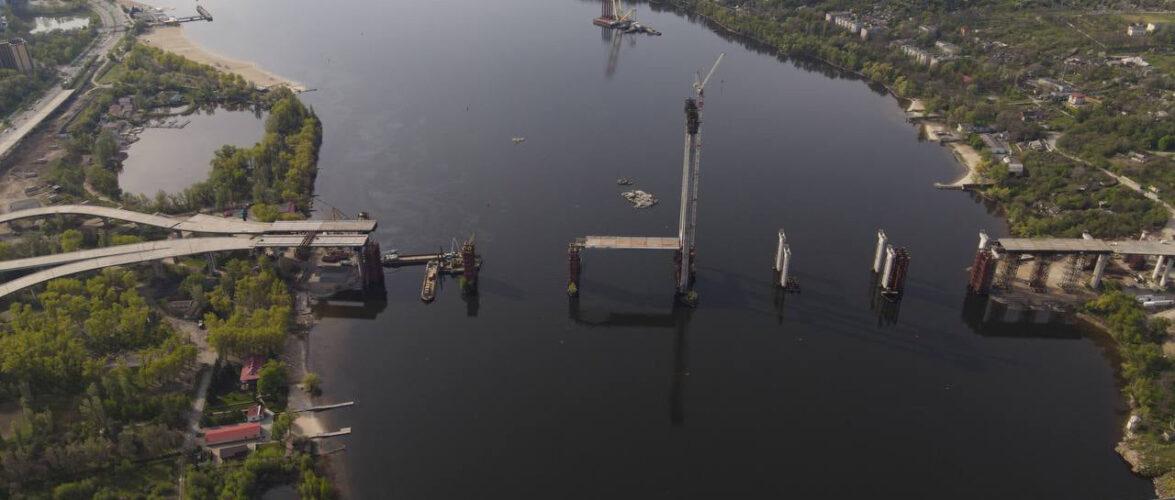 """Кран """"Захарій"""" натрапив на підводну скелю, через неправильно пророблену роботу щодо річкового маршруту"""