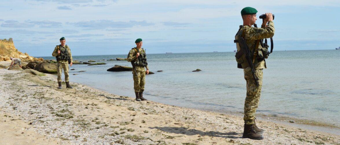 Прикордонники врятували 50 червонокнижних крабів та випустили у Чорне море