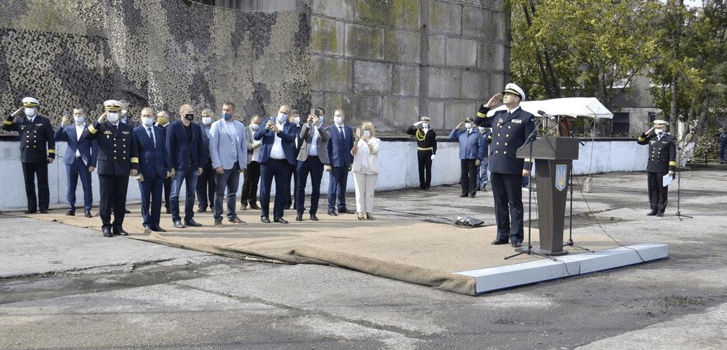 """ВМС купує мобільний КПП для пункту базування """"Айлендів"""""""