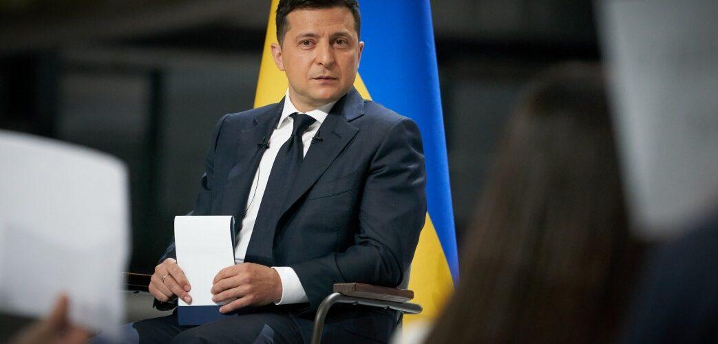 За допомогою санкцій РНБО Президент виконує свої конституційні обов'язки – Володимир Зеленський