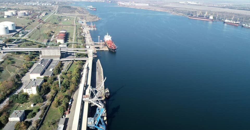 Морський порт Південний обробив у січні–травні більше 20 млн тонн вантажів