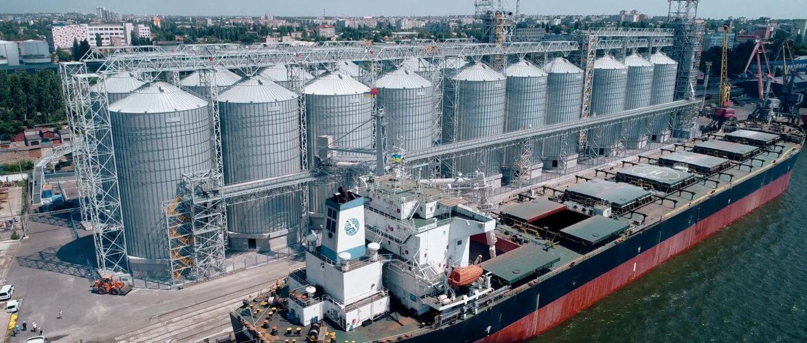 Миколаївський морський порт за 5 місяців перевалив 10,012 млн тонн вантажу