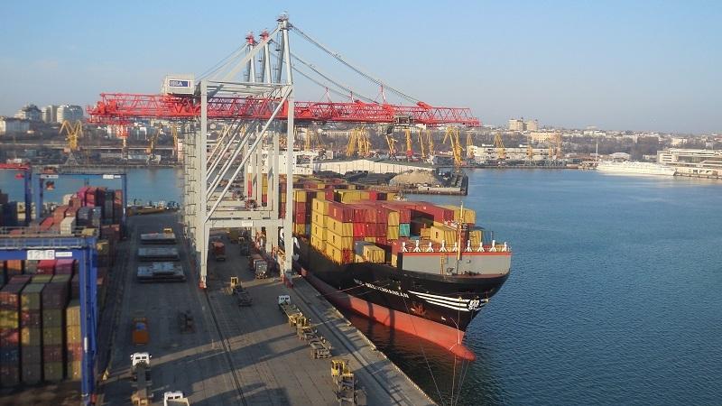 Портові оператори України обробили 55,4 млн тонн вантажів