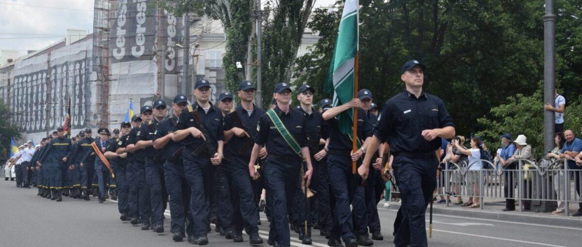 (ВІДЕО) У Маріуполі прикордонники долучилися до Маршу українських сил