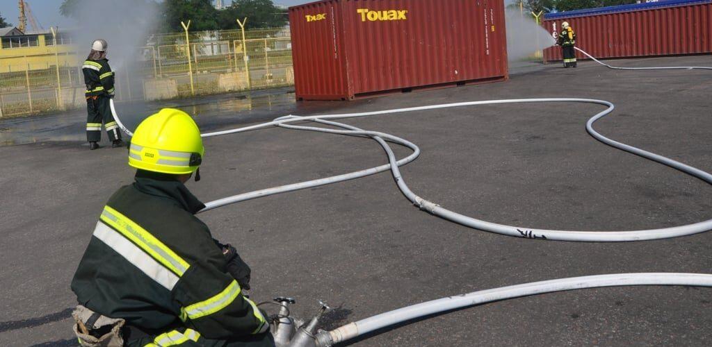 В Одеському морському порту пожежні загасили умовно-палаючий контейнер