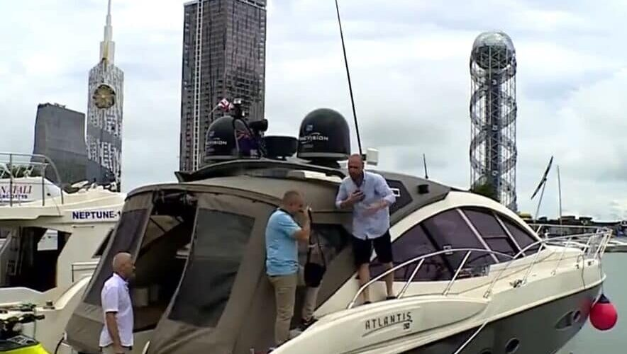 Звільнені у Грузії українські моряки відпливли до Одеси