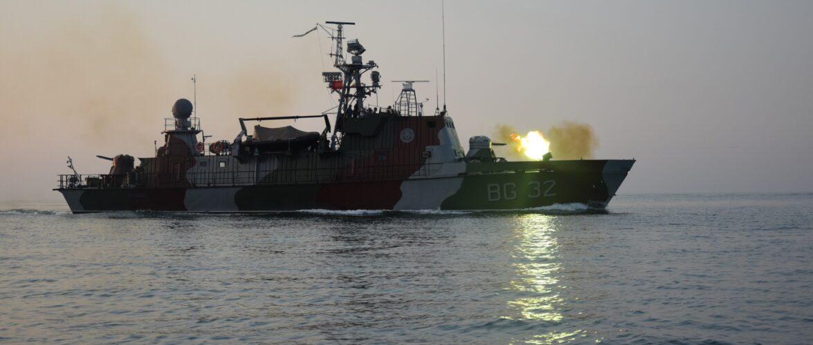 Прикордонники та бійці ЗСУ провели навчання в Азовському морі. ФСБ підглядали