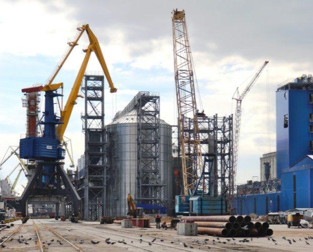 У Маріупольському порту розпочалася реконструкція гідротехнічної частини причалу №3