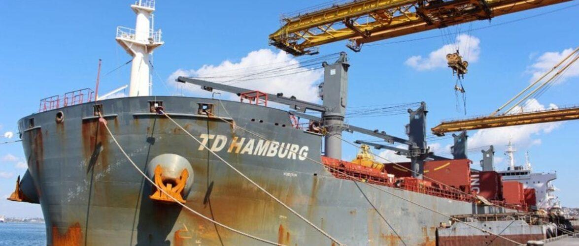 У серпні 2021 року портові оператори морського порту Чорноморськ обробили 2,5 млн тонн вантажів