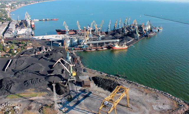 Бердянський порт продає автонавантажувачі, щоб погасити борги по заробітній платі