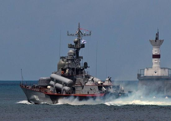 Росія розпочала масштабні навчання в Чорному морі, задіяно 20 надводних кораблів і суден забезпечення