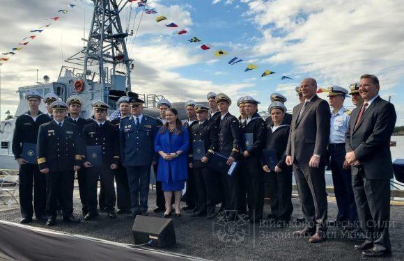 """У США завершився курс допідготовки 5-го екіпажу патрульних катерів типу """"Айленд"""""""