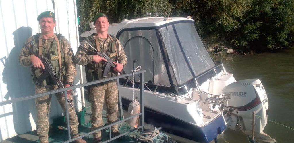 Пограничники конфіскували два моторні човни на Дунаї, що належать громадянам Румунії