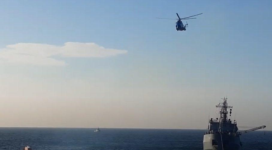 """(ВІДЕО) Буксир """"Сапфір"""" буксирує пошкоджене судно ВМС """"Балта"""" в порт Одеса"""